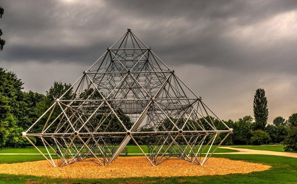 Klettergerüst Pyramide : Neptun das 100000 euro klettergerüst ab 06.08.15 im schlosspark
