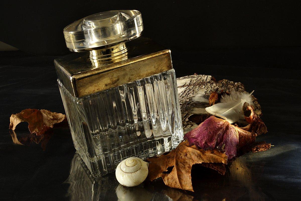 Eine Frau Die Kein Parfüm Trägt Hat Keine Zukunft Coco Chanel