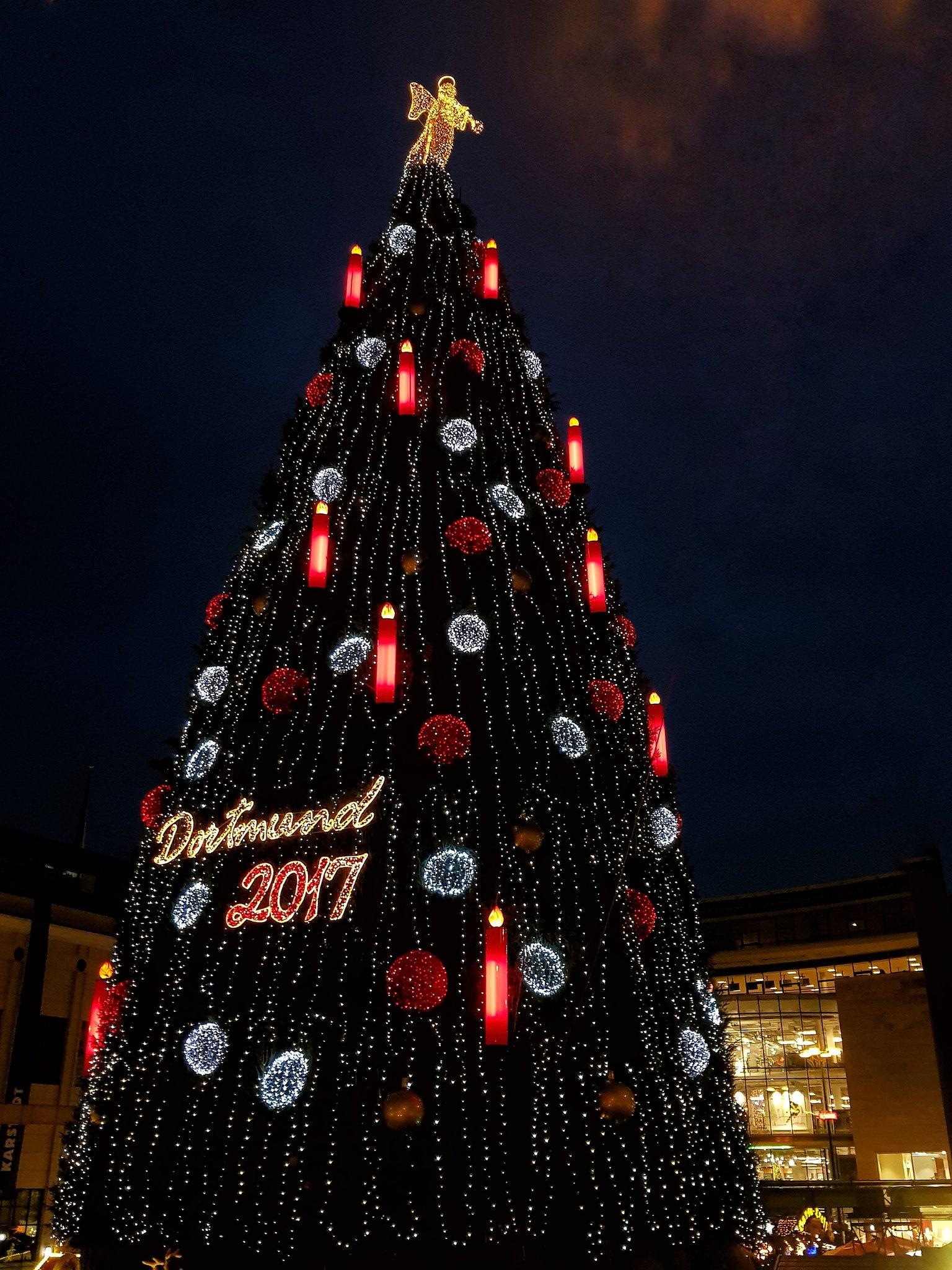 Dortmund Weihnachtsbaum.Dortmunder Weihnachtsbaum In Voller Beleuchtung